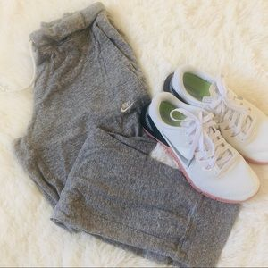 Nike Crop Sweatpants